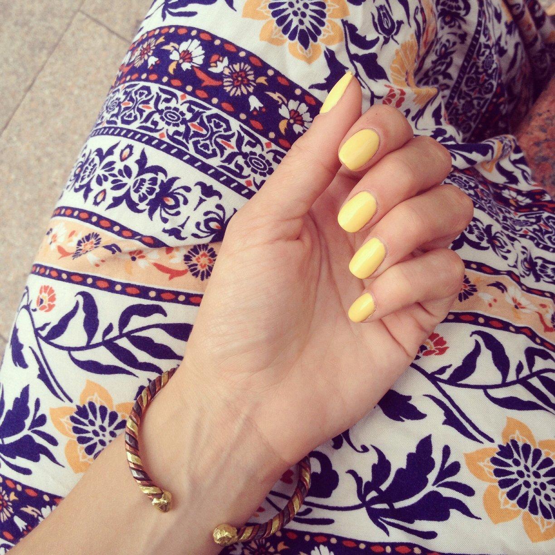 lemony nails