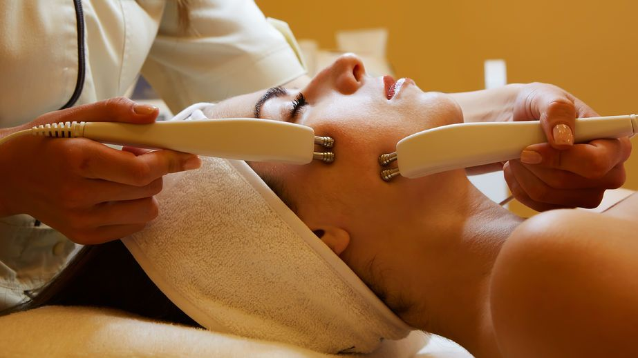 microcurrent facial therapy