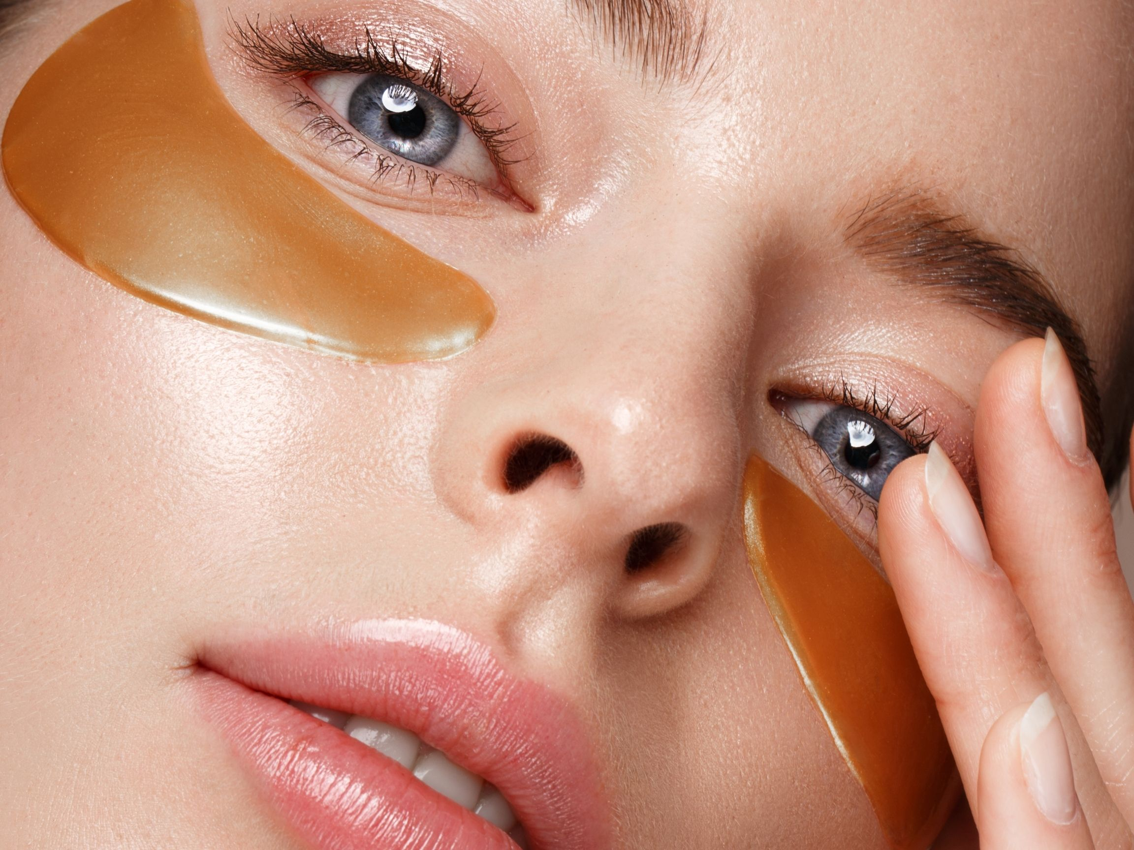 how to hydrate the eye area