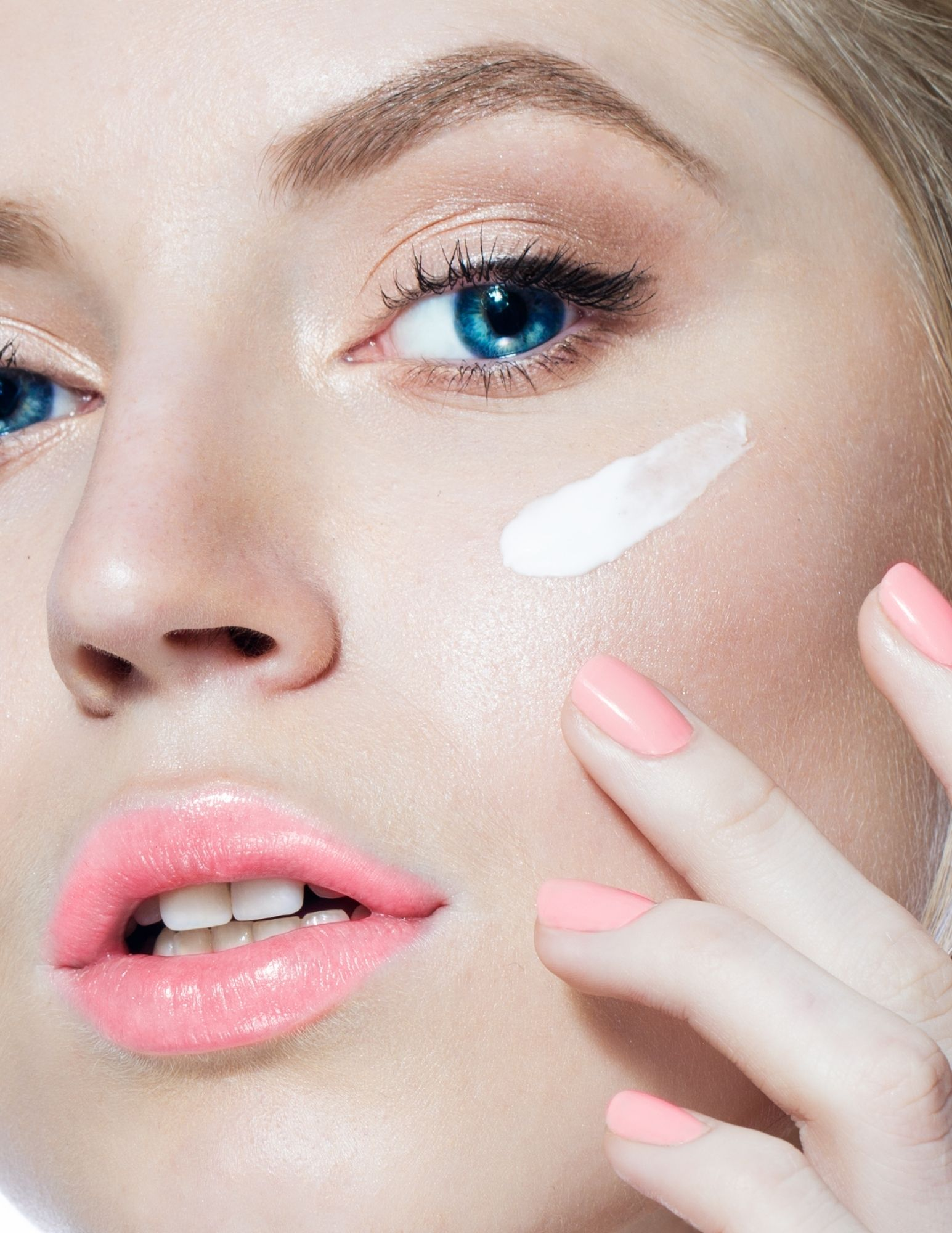 is moisturizer important for our skin